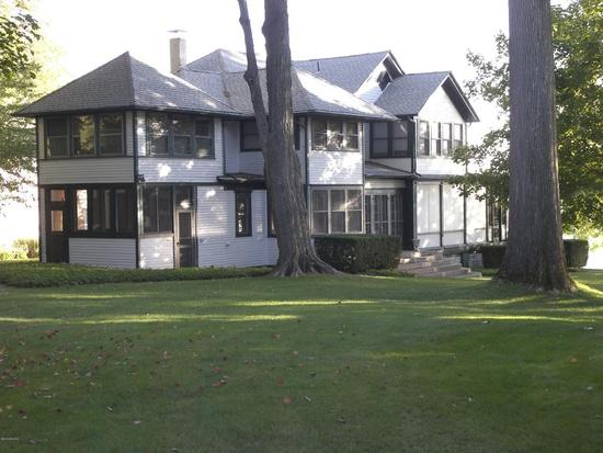 Historical Diamond Lake Cottage, Cassopolis, MI